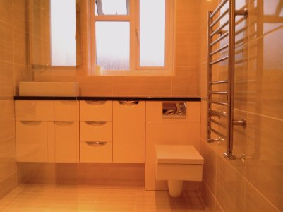 Fitted furniture in wet room